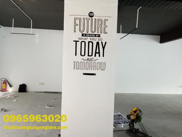 vẽ chữ trang trí tường văn phòng